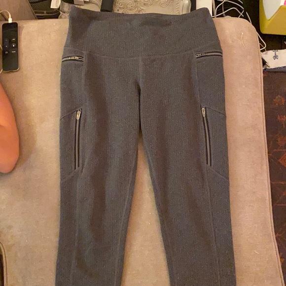 Gray textured leggings from Athleta